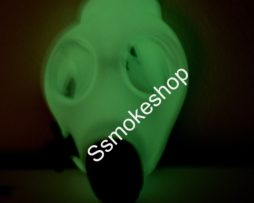 08-001-gasmask-growing-in-dark-3
